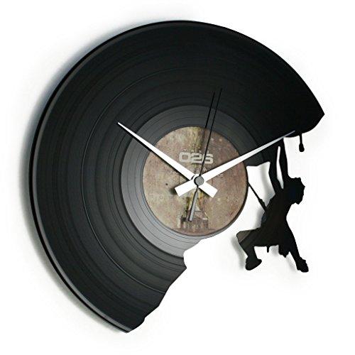 DISCOCLOCK - DOC071 - THE CLIMBER - Wanduhr aus Vinyl Schallplattenuhr mit Bergsteiger Motiv Upcycling Design Uhr Wand-Deko Vintage-Uhr Retro-Uhr MADE IN ITALY - Schnelle lieferung...