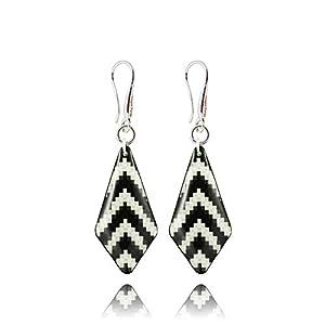 Moderne Ohrringe mit Schwarz-Weißen Zebrastreifen von Dragon Porter