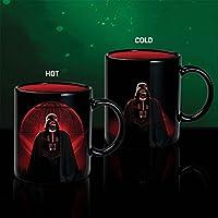 La forza è forte con questa tazza di cambiamento di Death StarTM calore. Con il cattivo indiscusso dei cattivi, Darth VaderTM, questa tazza di dimensione standard nera e rossa è il modo migliore per gustare un drink con il lato oscuro. Basta ...