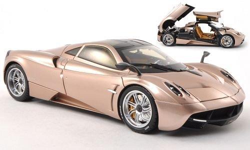 pagani-huayra-gold-modellauto-fertigmodell-welly-118