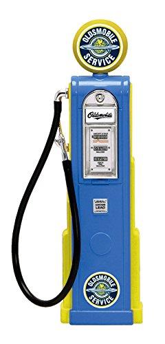 lucky-die-cast-gotz98701ek-118-scale-road-signature-petrol-pump-with-square-oldsmobile-emblem-die-ca