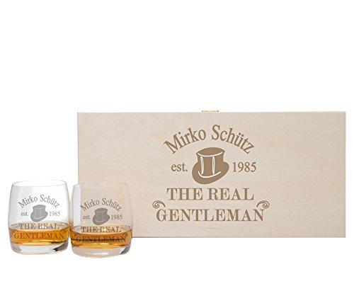 FORYOU24 2 Whiskeygläser mit Untersetzern + Geschenkbox und Gravur Gentleman Geschenkidee Whiskygläser graviert