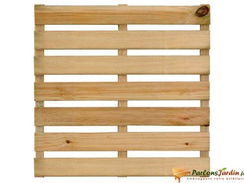 une-dalle-de-terrasse-en-bois-first-50-motif-droit