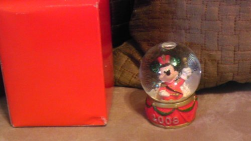 disney-mickey-mouse-2008-christmas-snowglobe-from-jc-penney-by-disney