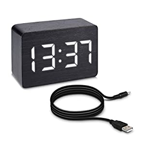 Kwmobile Wecker Uhr In Holzoptik Digital   Digitalwecker Anzeige Von  Uhrzeit Temperatur Datum   Alarm Clock