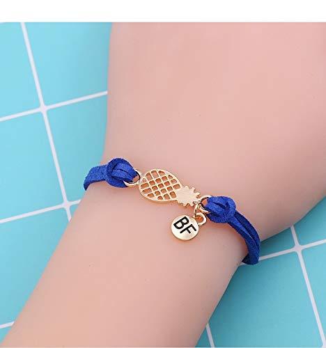 Imagen de strass & paillettes lote de dos pulseras de gamuza blanca con una piña dorada y una medalla bf. pulsera de piña best friend. pulsera para su mejor amiga alternativa