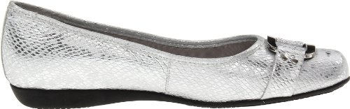 Trotters Women's Sizzle Signature Flat,Silver,5 M US Silver