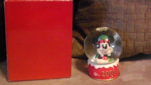 disney-mickey-mouse-2009-christmas-snowglobe-from-jc-penney-by-disney