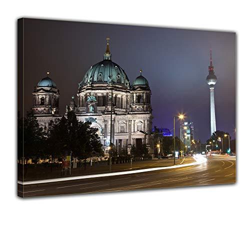 Keilrahmenbild - Berliner Dom und Fernsehturm bei Nacht - Bild auf Leinwand - 120x90 cm - Leinwandbilder - Städte & Kulturen - Deutschland - Zentrum - Mitte - Architektur -