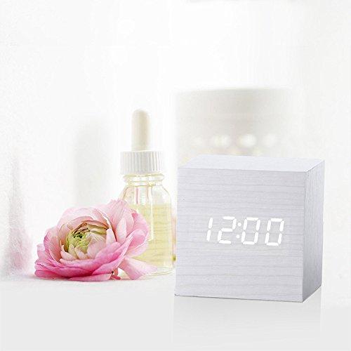 Réveil en ligne,Reveil Matin,Réveil de Voyage,LED en Bois Digital Alarm Clock,Cube Réveil,Horloge Numérique,Réveils électroniques Affichage de la Date de la température,Voix et Tactile activé