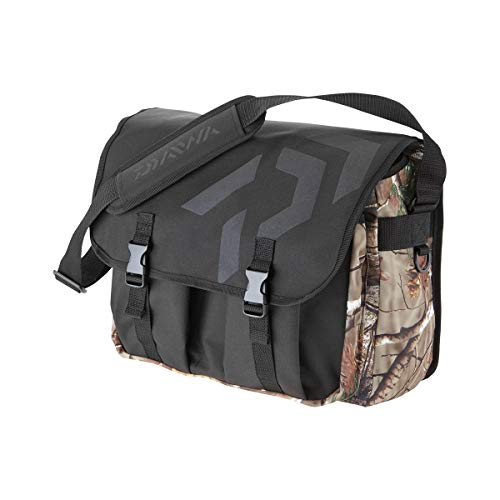 Daiwa - fishing bag messenger camo size l - 15820320