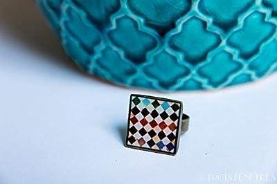 Bague Alhambra - 18mm - Mosaïque multicolore sur fond blanc - résine écologique - Cadeau pour femme - Anniversaire