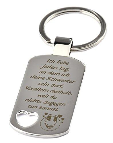 """Schlüsselanhänger mit Herzauschnitt und Gravur """"Ich liebe jeden Tag, an dem ich deine Schwester sein darf. Vorallem weil du nichts dagegen tun kannst"""" – Chrom – als Geschenk zum Geburtstag oder zu Weihnachten"""