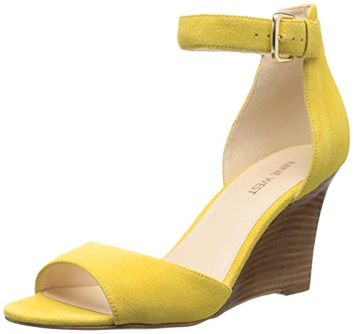 Nine West Farlee finta pelle scamosciata Sandali con zeppa Yellow