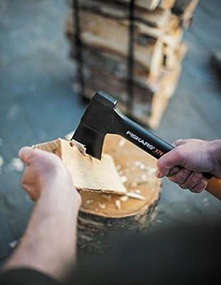 Fiskars Universalaxt X7-XSinklusivive Axt- und Messerschärfer, schwarz / orange, 37,6 x 17 x 3,7 cm, 1020183