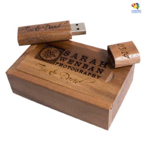 Chiavetta USB in legno intarsiato