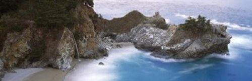 Pfeiffer Big Sur State Park (Panoramic Images – Rocks on the beach McWay Falls Julia Pfeiffer Burns State Park Monterey County Big Sur California USA Photo Print (91,44 x 30,48 cm))