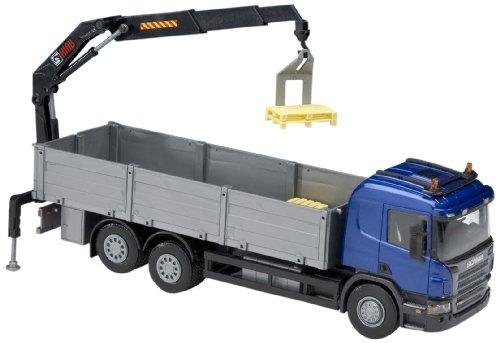 (EMEK EM50404 - Scania P, Kabine blau, 3 Achsen, Baustoffpritsche mit Ladekran, Maßstab  1:25)