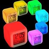 Cube LED, Uhr und Wecker, Uhrzeitanzeige Digitalanzeige von MoodiCare, Temperaturanzeige und Datum, Stromversorgung über Batterien oder AC