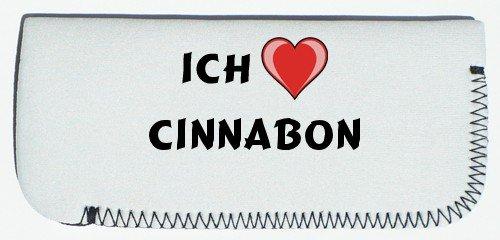 brillenetui-mit-ich-liebe-cinnabon-vorname-zuname-spitzname