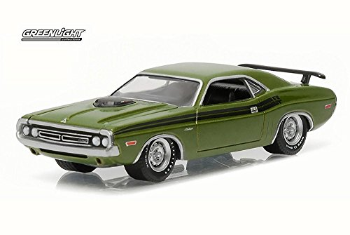 1971 Dodge Challenger R/T, Lime Green - Greenlight 13160C/48 - 1/64 Scale Diecast Model Toy Car
