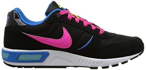 Nike Nightgazer (GS) Scarpe Sportive, Ragazzo Black/Pink Pow-Vivid Pink-Volt