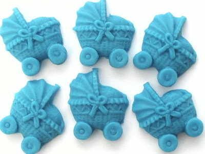 12-handgemachte-grosse-kinderwagen-aus-zucker-blau-bright-blue