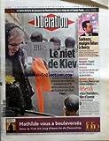 LIBERATION [No 7322] du 25/11/2004 - LIVRES - LE SALON DU LIVRE DE JEUNESSE DE MONTREUIL FETE SES VINGT ANS ET CLAUDE PONTI - LE NIET DE KIEV - SARKOZY MAIGRE BILAN A BERCY - SOCIETE - AMIANTE L'APPEL DE 140 VEUVES - MEDIAS - DES DESSOUS DU FEU VERT DU CSA A LA CHAINE DU HEZBOLLAH - GRAND ANGLE - CES VIEUX BLANCS QUI RESTENT A ABIDJAN - REBONDS - LES CHORISTES FILM D'AVENIR PAR MARIETTE DARRIGRAND - EVENEMENT REMANIEMENT - -0 7 % LA CHUTE DE LA CONSOMMATION DES MENAGES - 0 1 % LA CROISSANCE DU