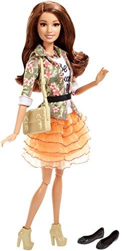Preisvergleich Produktbild Mattel DHD86 Barbie - Deluxe-Moden Fashionista Teresa Puppe