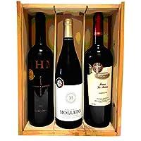 Caja de madera con 3 botellas de vino de crianza de las marcas HACIENDA MOLLEDA, FINCA LA MATEA Y GRAN HACIENDA.