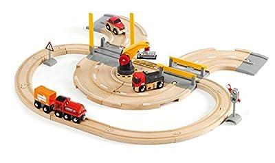 Brio 33208 - Set de carretera y vías de tren con grúa de mercancías (26 piezas, 59 x 56 cm) [importado de Alemania] por Brio