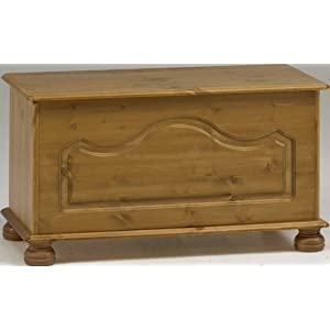 Steens 3023800034000F Richmond Ottoman Pine Storage Chest – Beige