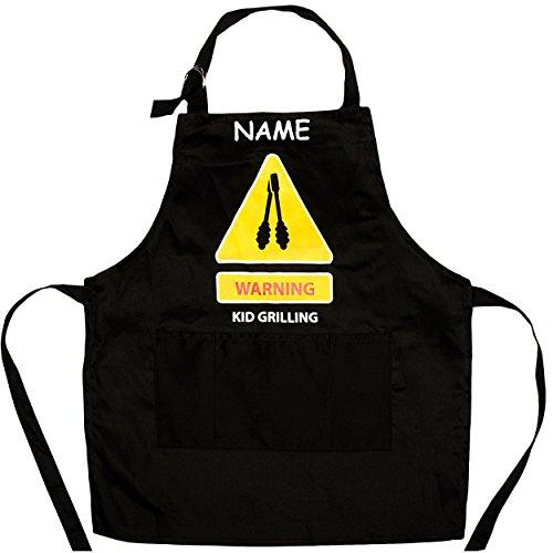 Unbekannt Kinderschürze / Kochschürze / Grillschürze -  Warning - Kid Grilling  ( Achtung - Kind grillt ) - inkl. Name - mit 3 Taschen - Größenverstellbar - 100 % BAU..