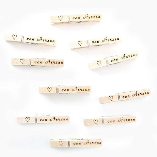 """100 Holzklammern """"Von Herzen"""" mit Herz (7,2 cm) handgemacht; zum Verzieren von Geschenken und Basteln, perfekt für Geburtstag, Hochzeit, Taufe, Messe, Firmenfeier und zum Wichteln!"""