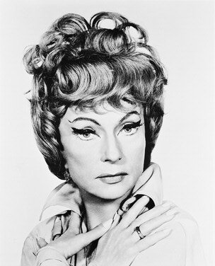 Moviestore Agnes Moorehead als Endora in Bewitched 25x20cm (Bewitched Endora)