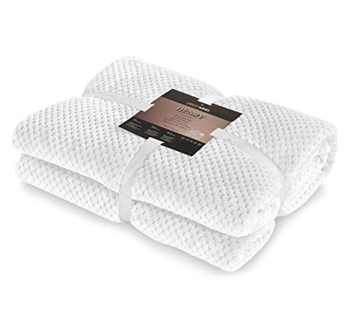DecoKing 58985 Kuscheldecke 220x240 cm Weiß Decke Microfaser Mikrofaserdecke Fleecedecke Wohndecke Tagesdecke Fleece Weich Sanft Kuschelig skandinavischer Stil White Henry