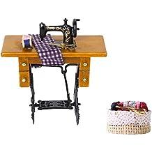 MagiDeal Mini Máquina de Coser Costura con Tela Paño Tijeras Escala 1/12 para Casa Muñeca +1:12 Escala Dollhouse Cesta de Mimbre Mimbre con Accesorios Mezclados
