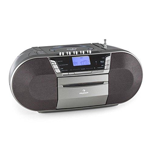 auna Jetpack radiocasete portátil (funcionamiento a pilas o enchufado a la red eléctrica, estéreo, puerto USB, soporte MP3, reproductor CD, radio FM, asa plegable) - gris
