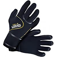 Triathlon and swimming gloves