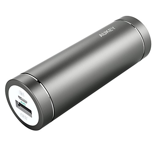 aukey-mini-portable-charger-5000mah-2a-input-2a-output-for-iphone-7-7-plus-samsung-htc-huawei-lg-ect