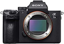 Sony Alpha 7 III | Fotocamera Mirrorless Full-Frame (AF Rapido in 0.02s, Stabilizzazione Integrata a 5 assi, 4K HLG, Batteria ad alta capacità)
