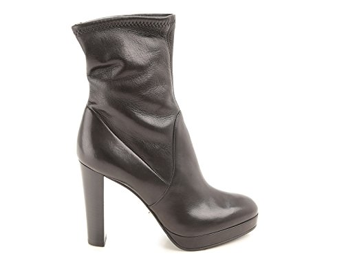 sergio-rossi-womens-a72040maf7151000-black-leather-ankle-boots