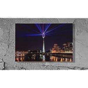 Düsseldorf Fernsehturm als Rheinkomet – Leinwand Druck – 30 x 20 cm Photo on Canvas