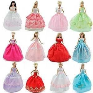 Preisvergleich Produktbild Fat-catz - Barbie Sindy Puppe - 25 Stück Set, 5x Ballkleider, 10x Schuhe/Stiefel & 10 Kleiderhaken