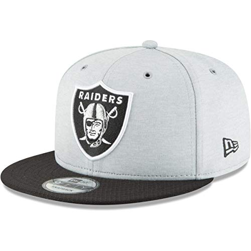 New Era NFL Oakland Raiders Authentic 2018 Sideline 9FIFTY Snapback Home Cap, Größe :S/M