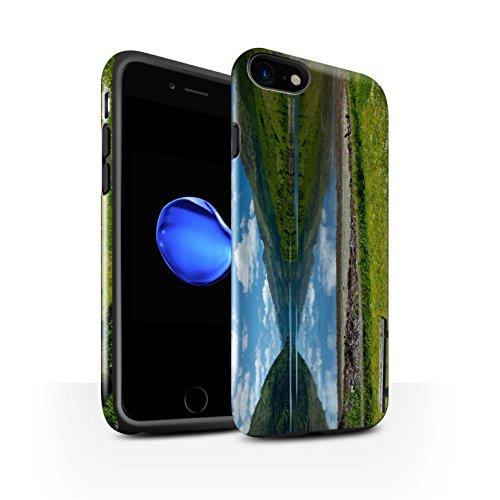 STUFF4 Glanz Harten Stoßfest Hülle / Case für Apple iPhone 8 / Felsig Strom Muster / Schottisch Landschaft Kollektion Loch/Bank