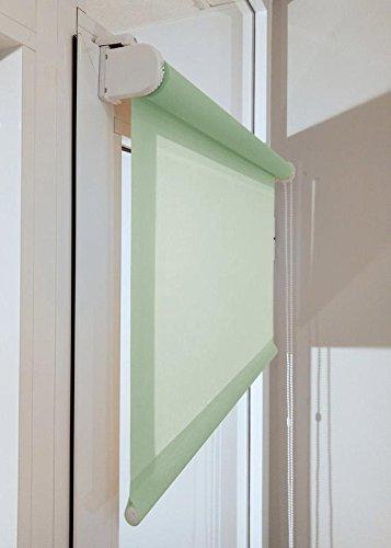 Estor enrollable a medida TRANSLÚCIDO PREMIUM con fijación SIN PERFORAR a ventana abatible o puerta (permite paso de luz, no permite ver el exterior/interior). Color verde claro. Medida 110cm x 120cm para ventanas abatibles y puertas.