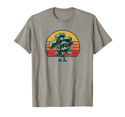 Retro Sun & Cool Minimalist Oak Tree Design Graphic  T-Shirt - Tree Hugger Gelben T-shirt