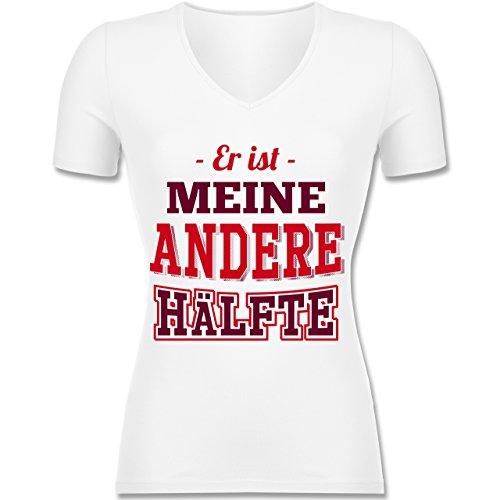 Shirtracer Partner-Look Pärchen Damen - Er ist Meine Andere Hälfte - Tailliertes T-Shirt mit V-Ausschnitt für Frauen Weiß
