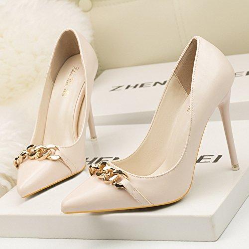 La luce della punta ugello scarpe unico elegante e versatile sexy catena metallica donne belle scarpe con tacco alto Beige